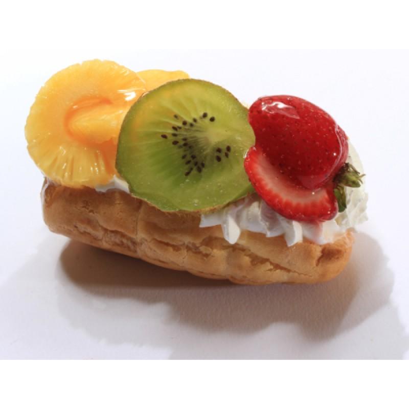 Eclaire Fruit